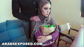 الكثير من الجنس للمرأة التي ترتدي الحجاب