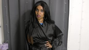 الممثلة الهندية استمنى بشكل جميل جدا